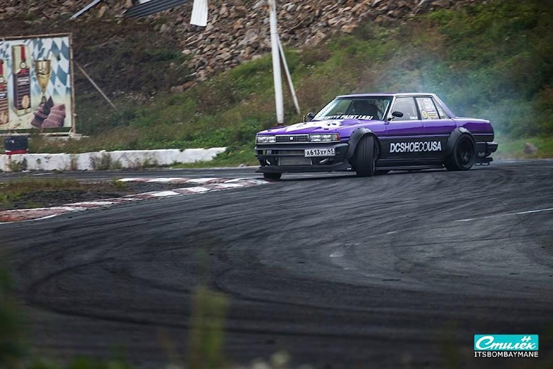 "Toyota Cresta swap 2JZ... ""Purple Rocket"" 29"