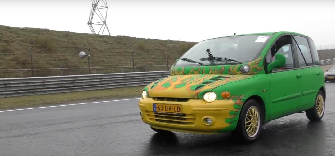 Dragrace : Fiat Multipla vs Skyline R33... No comment ! 16