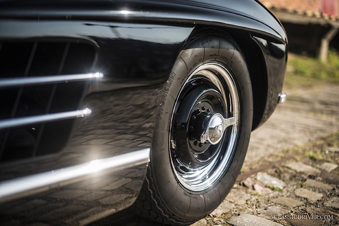 Mercedes 300 SL outlaw... en top chop et side pipe ! 106