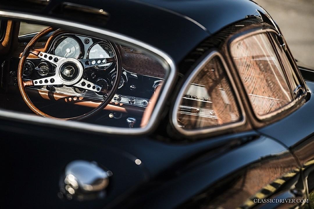 Mercedes 300 SL outlaw... en top chop et side pipe ! 134