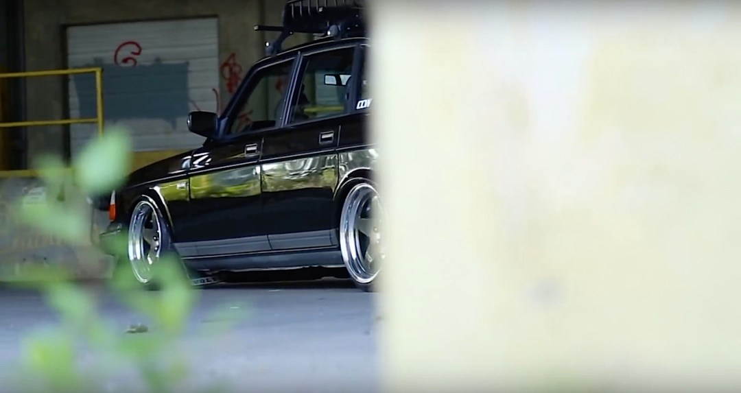 Slammed Volvo 240 - Blake in black ! 13