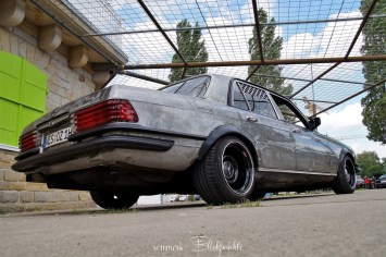 DLEDMV - Custom Mercedes W116 Sleeper- 16
