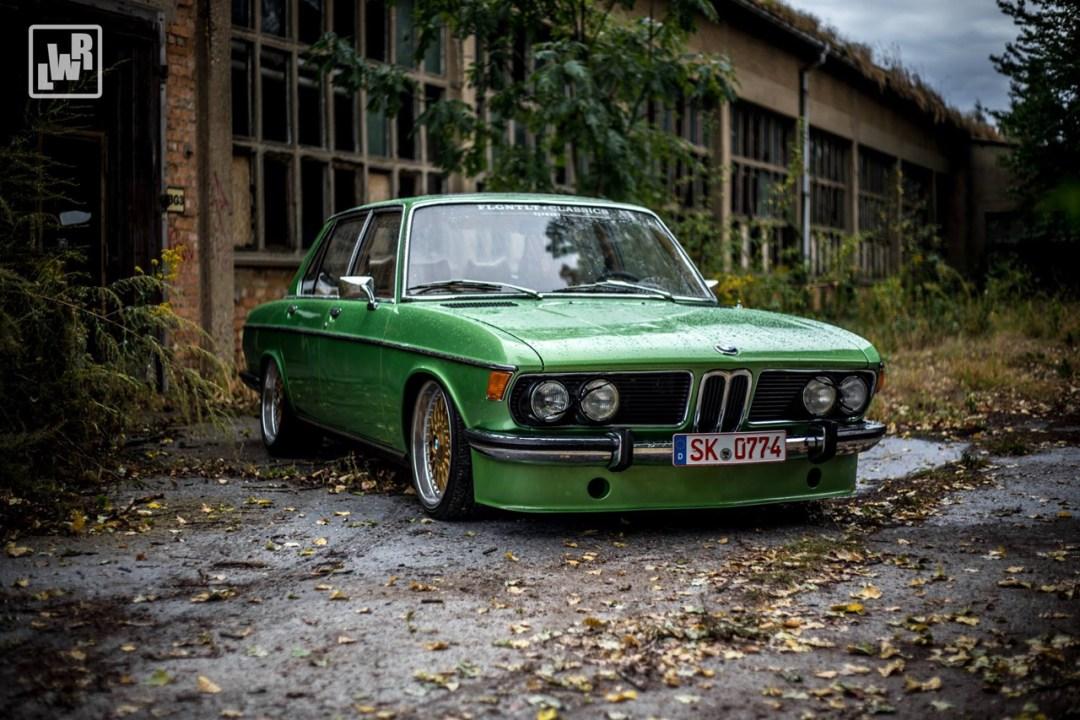Slammed BMW E3 Bavaria - Allez, on se met un peu au vert ! 20