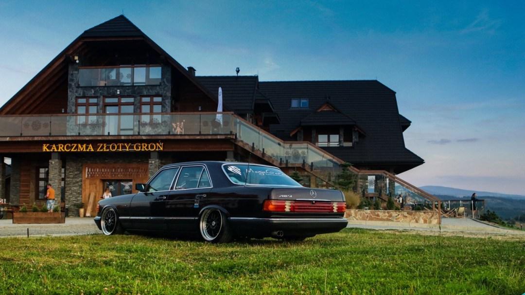 Bagged Mercedes 280 SE W126 par Magic Garage 32