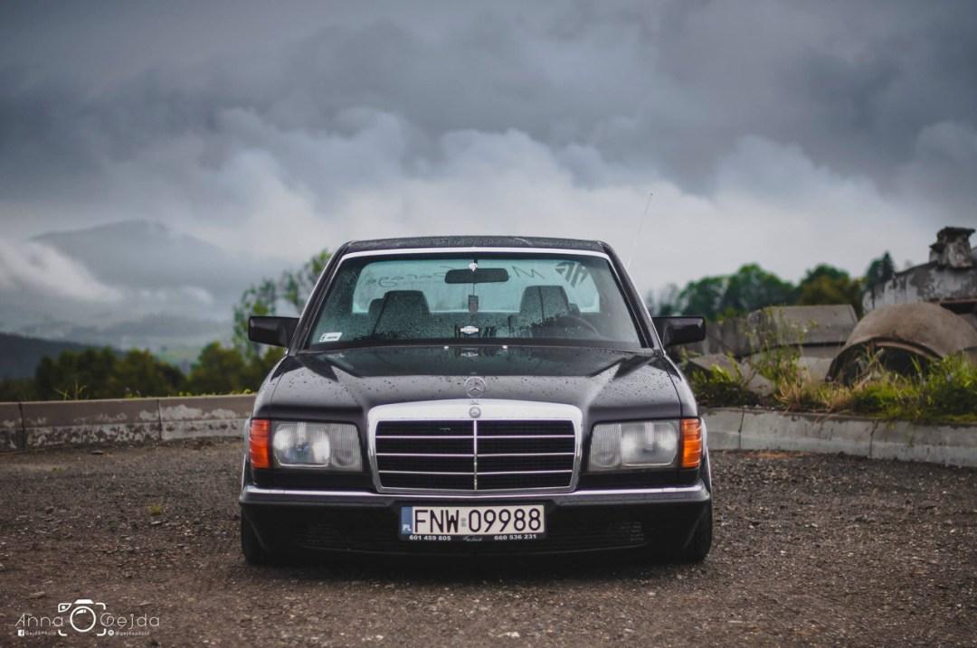 Bagged Mercedes 280 SE W126 par Magic Garage 28