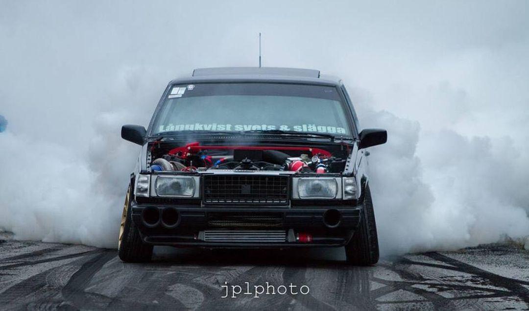 Volvo 740... Un V12 sinon rien ! 17