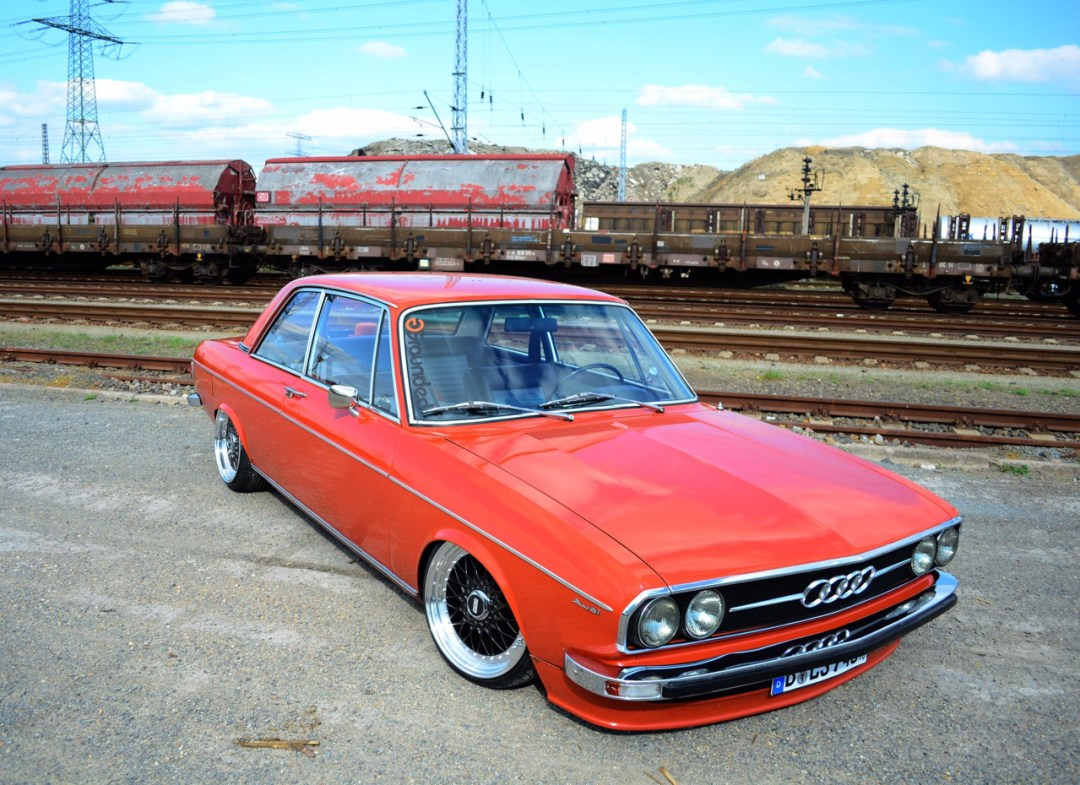 Slammed Audi 100 C1 Coupé - Survivor ! 43