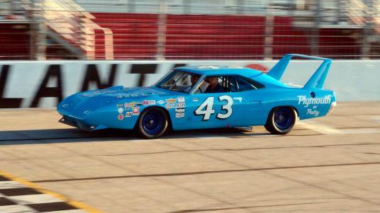 DLEDMV 2K19 - 70 Plymouth Superbird Richard Petty Nascar -007