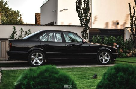 DLEDMV BMW 540i E34 de 1994 - Avec un 6 en ligne compressé 10