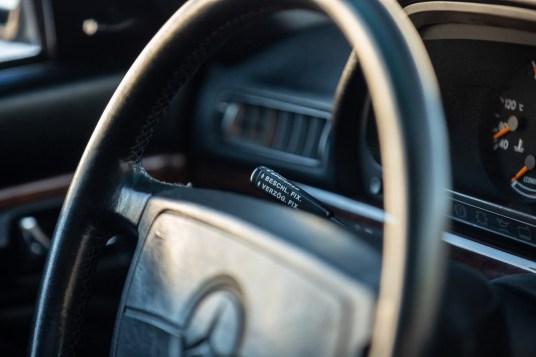 DLEDMV 2021 - Mercedes 560 TEL break RM Sotheby's - 004