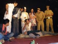 Chala Mussaddi Hero Banne
