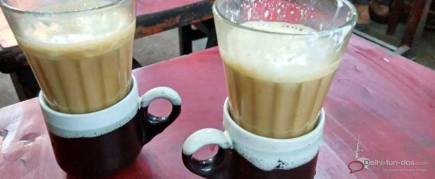 irani-chai-at-jamamasjid-must-visit-food-places-in-old-delhi