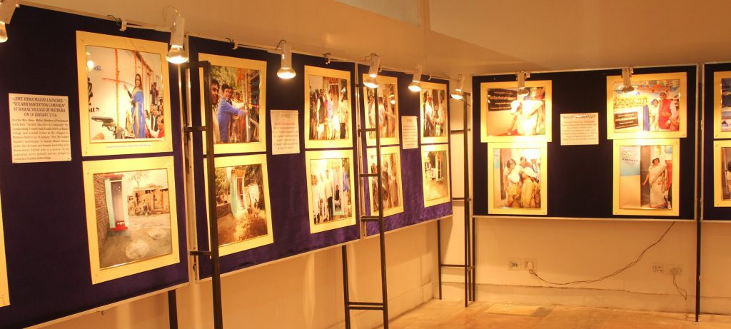 display-of-success-stories-by-sulabh-international-at-the-exhibition4