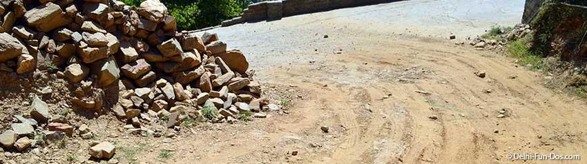 broken-road-driving-in-mountains-delhi-to-shoghi