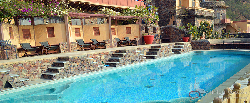 swimming-pool-neemrana-fort-palace-booking