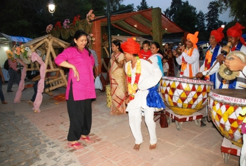 Teej Festival, Delhi Monsoon and Dilli Haat!