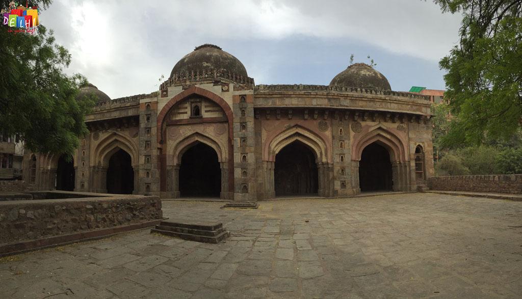 Masjid Moth