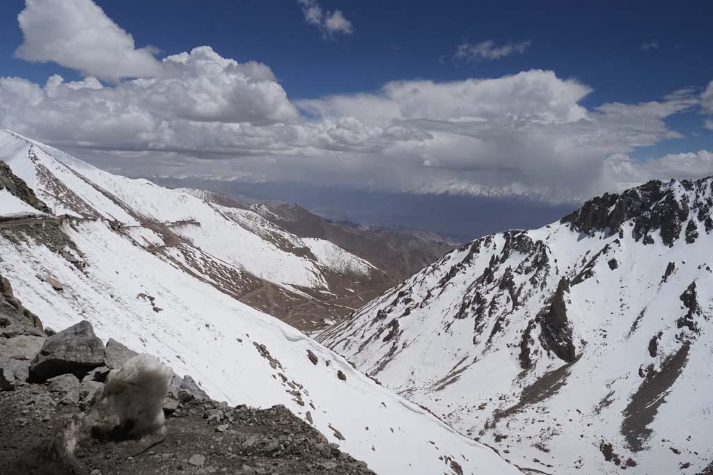 Khargundla pass - valley