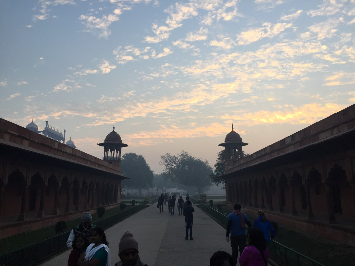 Sunrise at Taj entrance
