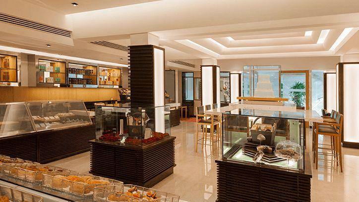 Oberoi Patisserie at the Oberoi Hotel, New Delhi