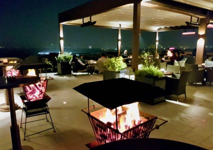 Cirrus9 bar at the Oberoi Hotel, New Delhi