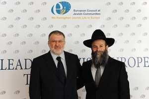 Ihor Kolomojskyj (vlevo), který s dalším židovským oligarchou, Henadijem Boholjubovem financoval protivládní demonstranty.