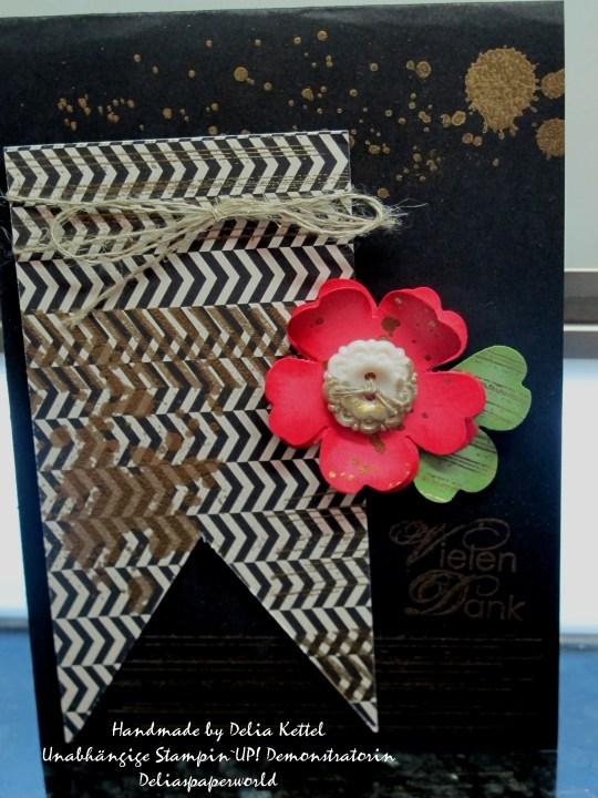 Schwarz -Weiß - Gold und Rhabarberrot