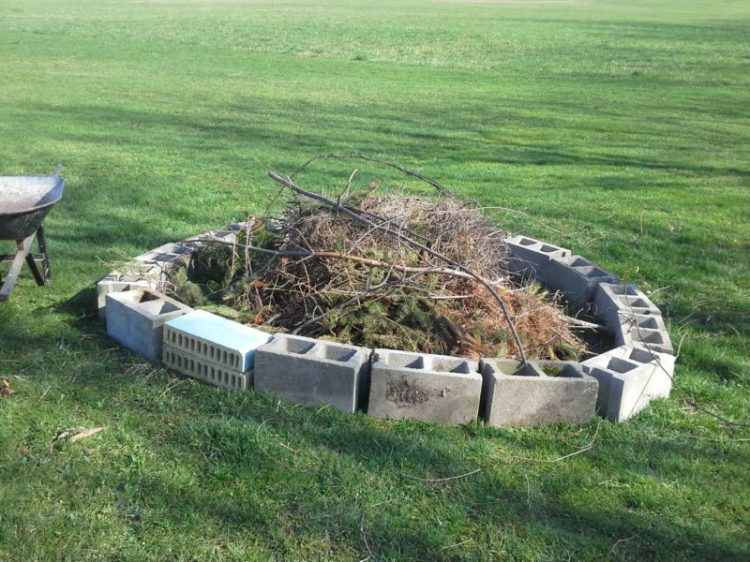 Cinder Block Fire Pit Design Ideas and Tips How to Build It on Simple Cinder Block Fireplace id=91584