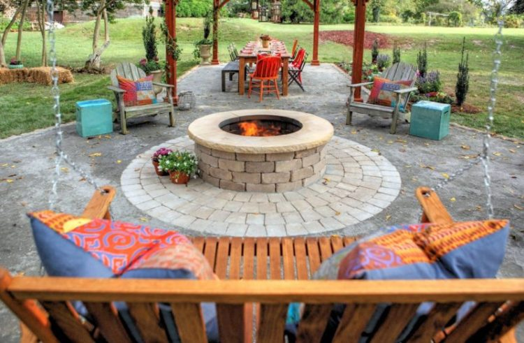 Cinder Block Fire Pit Design Ideas and Tips How to Build It on Simple Cinder Block Fireplace id=39430