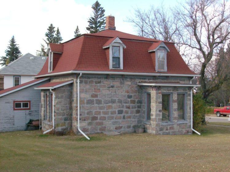 Simple mansard roof