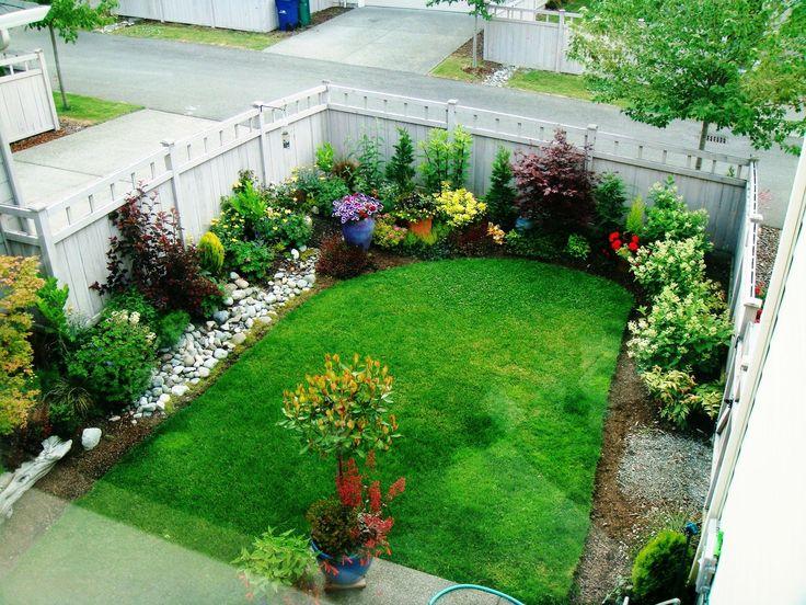 Pallet fence Small garden