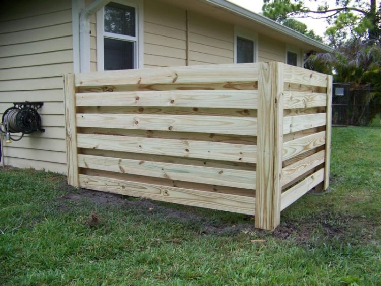 Wood Pallet Fence