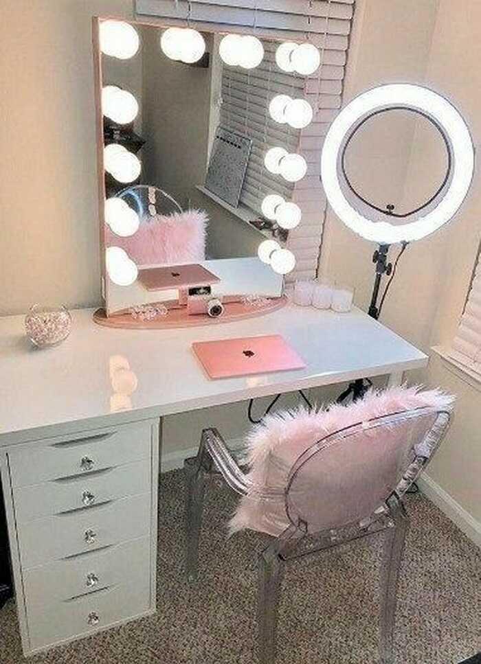 beauty room decor