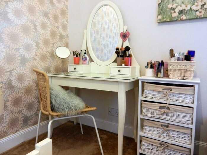 makeup table organization storage design