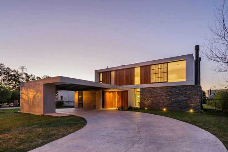 House design with flat roof