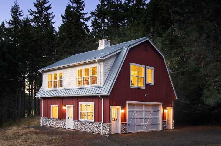 House with gambrel roof