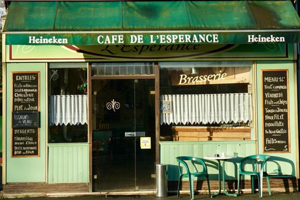 Café de l'Espérance - Attendre hors-sol ©Frédéric Teillard - Microscopies