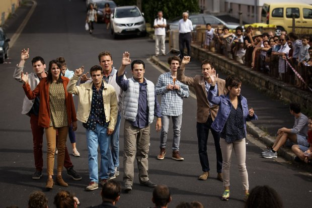 Compagnie Adhok, L'Envol © Christophe Raynaud De Lage - Festival d'Aurillac 2016 - Une critique de René Solis dans délibéré