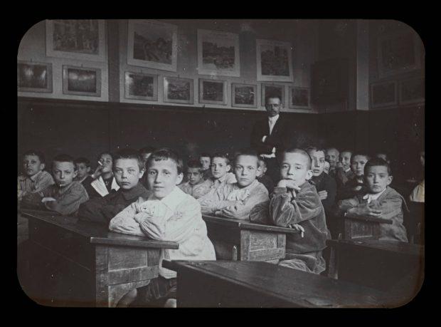 André Walusinski dans sa salle de classe. Photo: Alfred Soyer