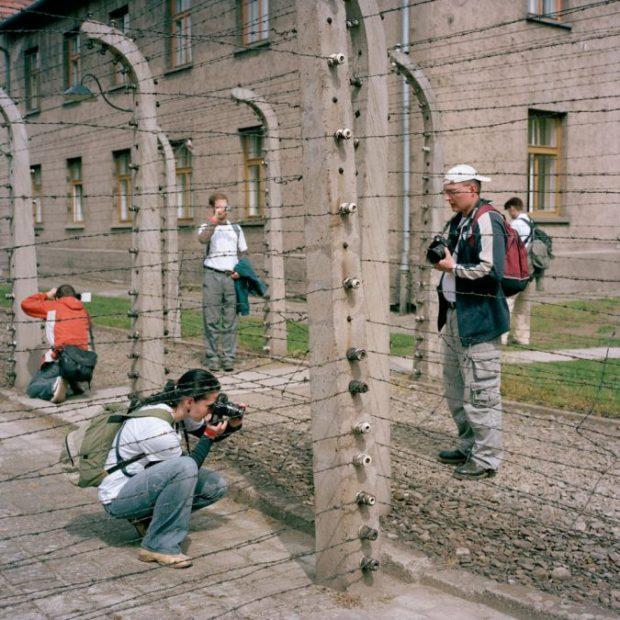 Visites à Auschwitz ©Roger Cremers