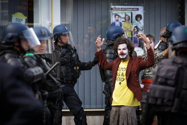 © Christophe Raynaud De Lage - Heurts au Festival d'Aurillac 2016 - Une critique de René Solis dans délibéré