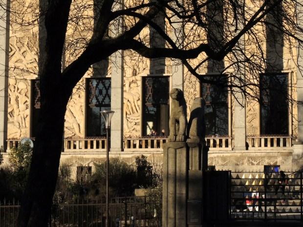 Porte Dorée - La façade de la Cité de l'immigration ©Gilles Walusinski