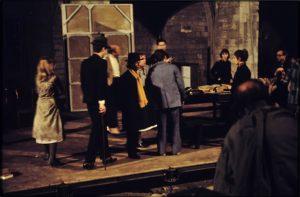 Dans la jungle des villes, mise en scène de Jean-Pierre Vincent, Jean Jourdheuil et André Engel, festival d'Avignon 1972. © Christian Martinez (source BNF - Gallica)
