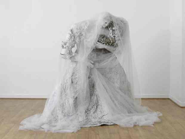 Niki de Saint Phalle, The Bride or Miss Haversham's Dream or When you love somebody, 1965 ©Laurent Condominas – Niki Charitable Art Foundation. Courtesy NCAF et Galerie GP & N Vallois.
