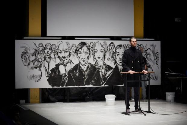 Conception, mise en scène et scénographie Les Bâtards dorés - Photo Christophe Raynaud de Lage / Festival d'Avignon