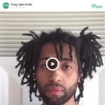 """""""Yung Jake, jeune rappeur américain dont est donné en lien un clip vidéo étonnant, Embedded. Yung Jake est aussi un artiste digital sorti de CalArts, qui au lieu de glorifier la bimbeloterie technologique la rend pitoyable, la renvoie à son ineptie."""" (Eric Loret - délibéré)"""