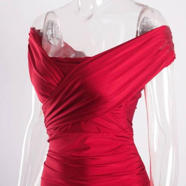 Robe de soirée longue, rouge foncé, extensible, sans manches, plissée, épaules dénudées, fente latérale 7