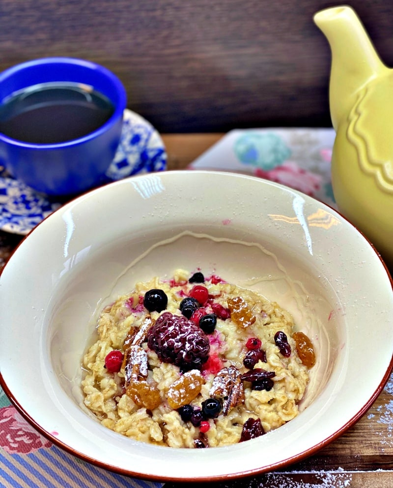 Cranberry Porridge with butter and honey