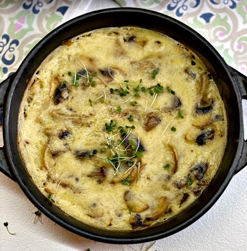 The best creamy mushroom gravy recipe in a skillet