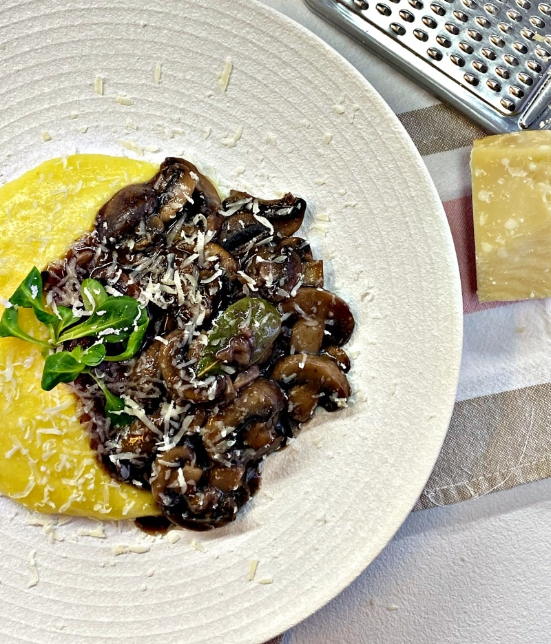 parmesan polenta with sauteed mushrooms